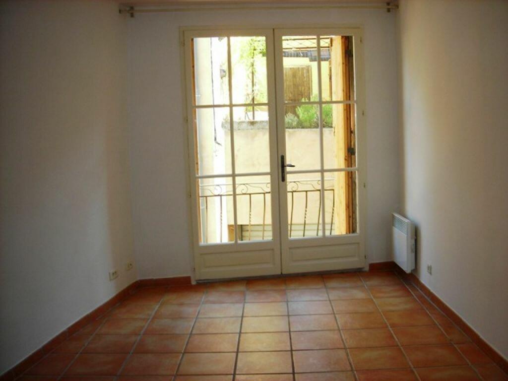 Location Appartement 1 pièce à Lambesc - vignette-1
