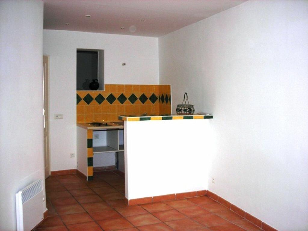 Location Appartement 1 pièce à Lambesc - vignette-2