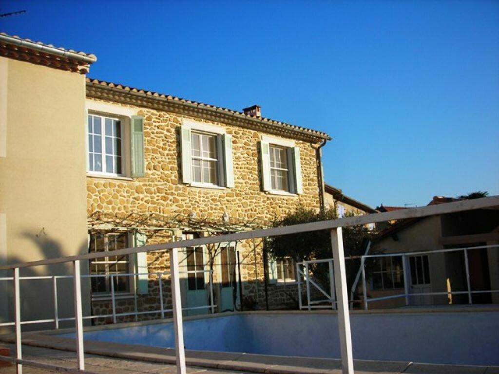 Location Maison 4 pièces à Salon-de-Provence - vignette-1