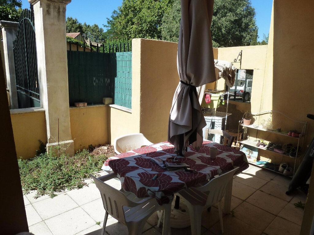 Location Appartement 3 pièces à Lambesc - vignette-1