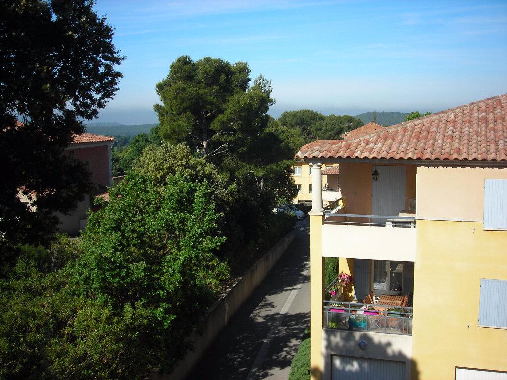 Location Appartement 2 pièces à Lambesc - vignette-1