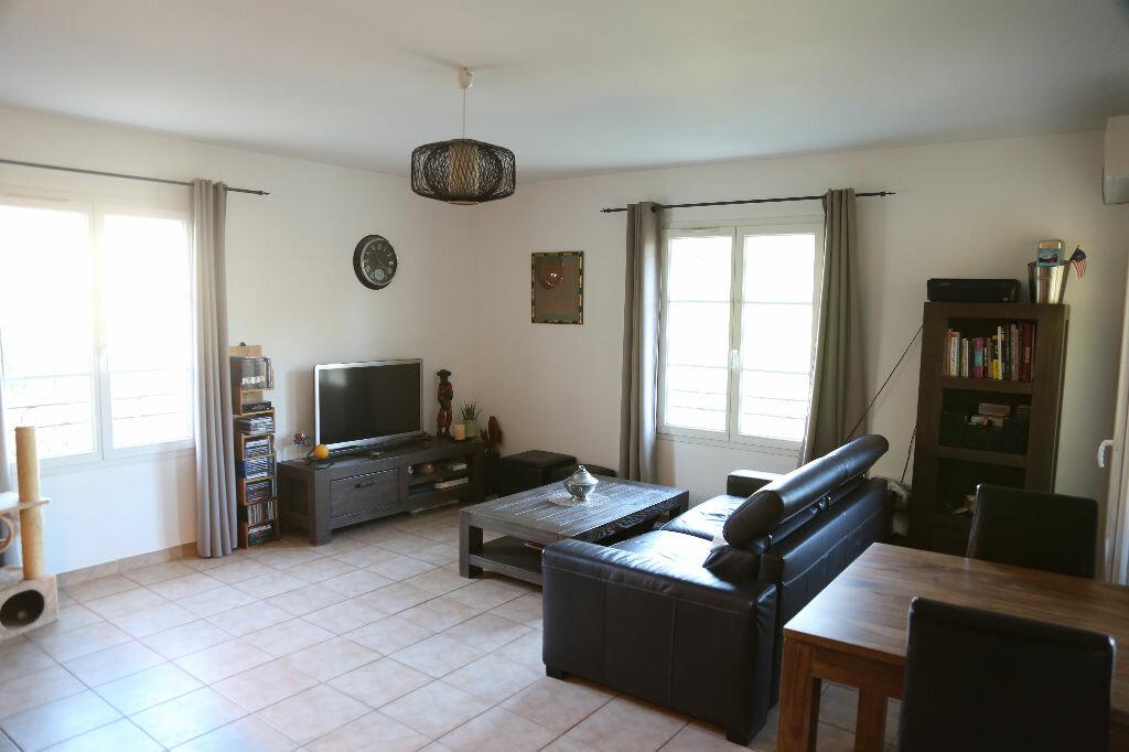 Achat Appartement 3 pièces à Saint-Cannat - vignette-1