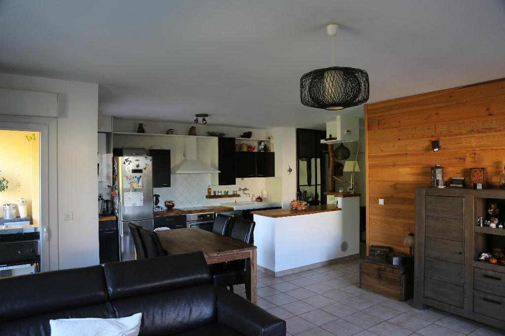 Achat Appartement 3 pièces à Saint-Cannat - vignette-4