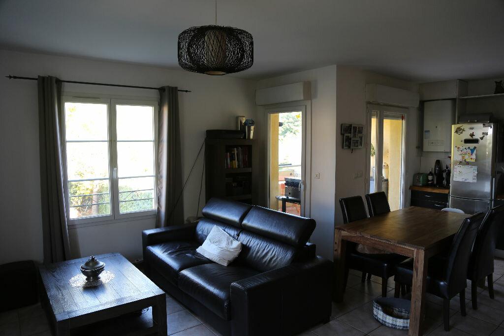 Achat Appartement 3 pièces à Saint-Cannat - vignette-6