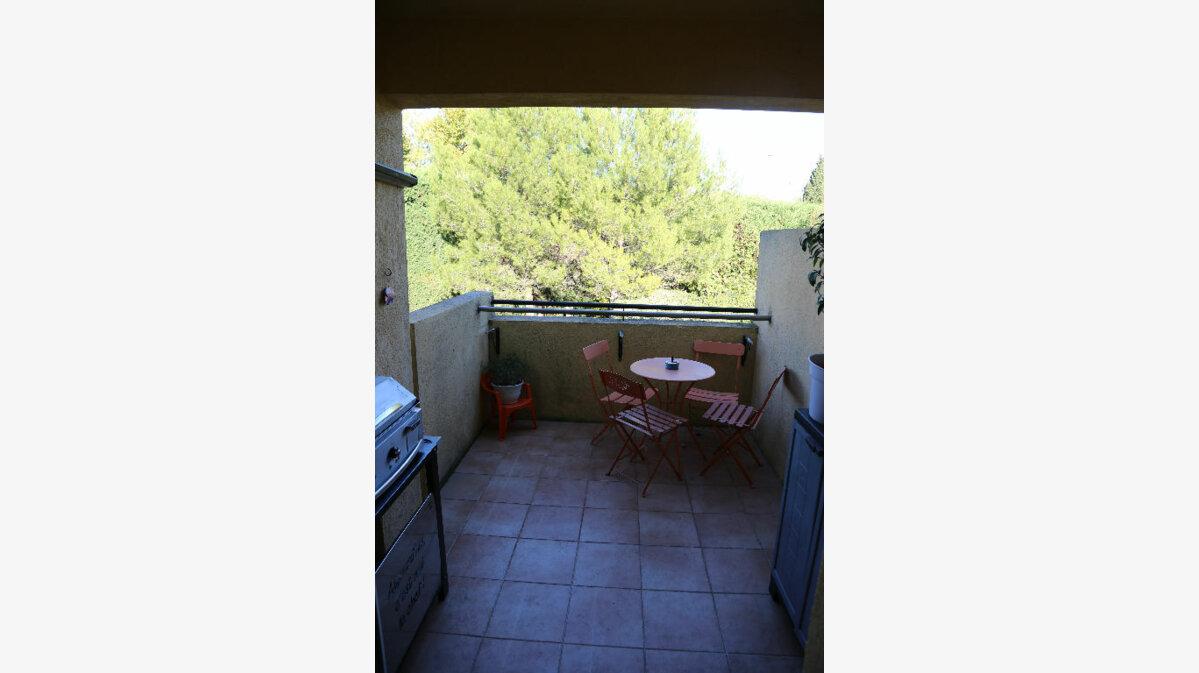 Achat Appartement 3 pièces à Saint-Cannat - vignette-8