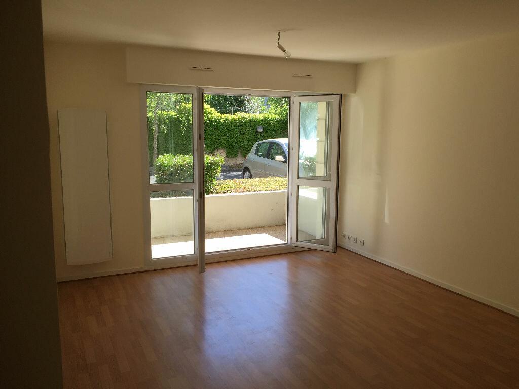 Location Appartement 3 pièces à Tours - vignette-1