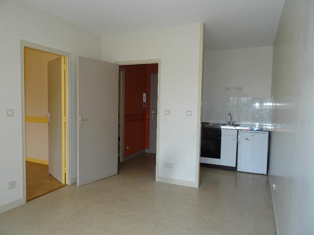Location Appartement 2 pièces à Damigny - vignette-1