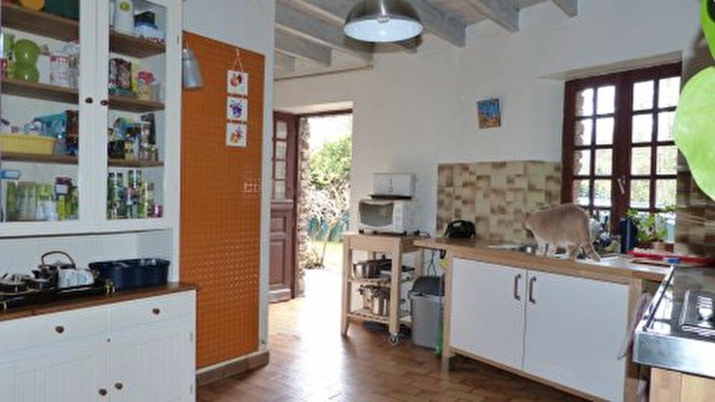 Achat Maison 5 pièces à Saint-Léonard-des-Bois - vignette-9