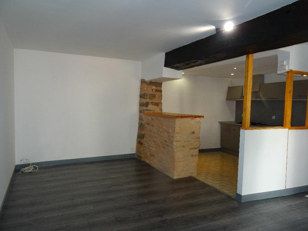 Location Maison 3 pièces à Fresnay-sur-Sarthe - vignette-1