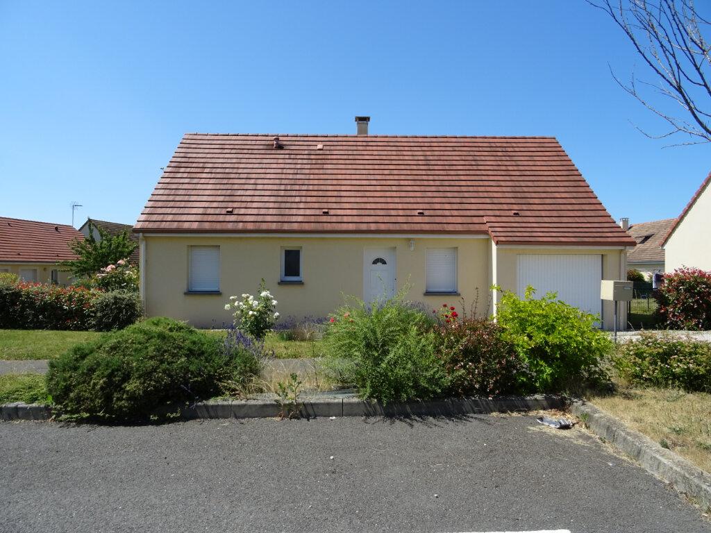 Location Maison 4 pièces à Condé-sur-Sarthe - vignette-1
