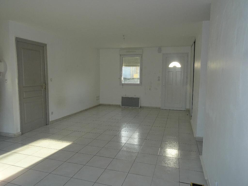 Location Maison 4 pièces à Condé-sur-Sarthe - vignette-3
