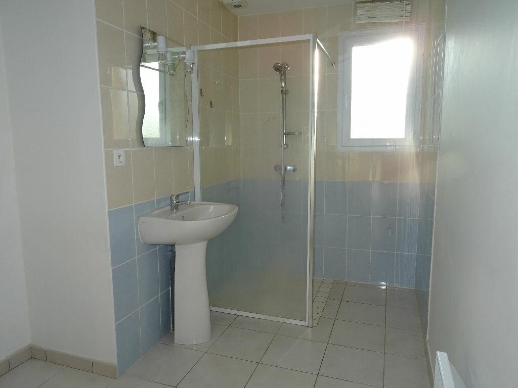 Location Maison 4 pièces à Condé-sur-Sarthe - vignette-4