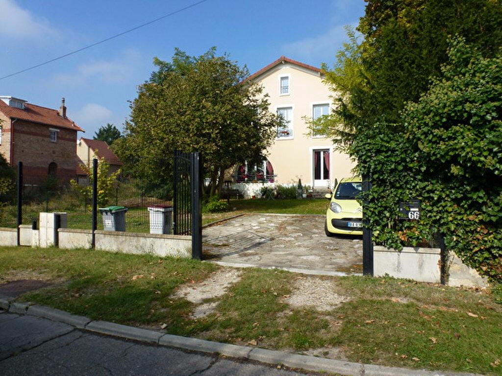 Location Maison 5 pièces à Herblay - vignette-1
