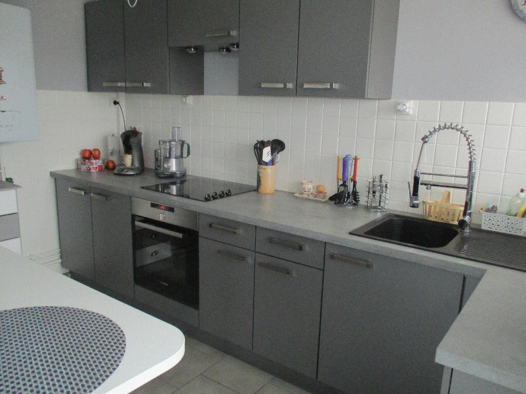 Achat Appartement 4 pièces à Belleville-sur-Meuse - vignette-2