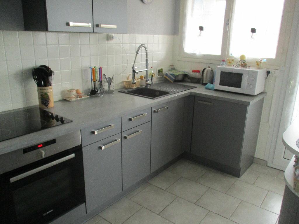 Achat Appartement 4 pièces à Belleville-sur-Meuse - vignette-3