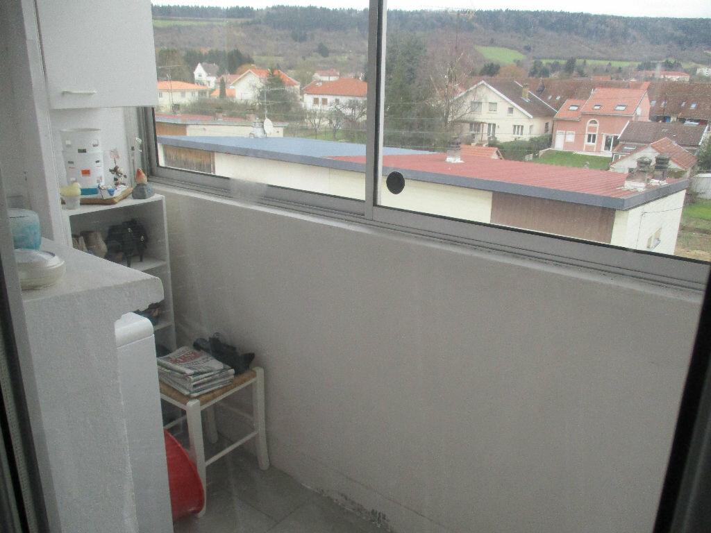 Achat Appartement 4 pièces à Belleville-sur-Meuse - vignette-4