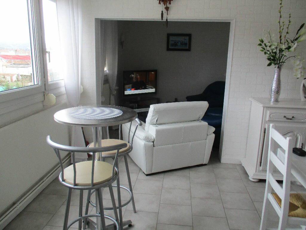Achat Appartement 4 pièces à Belleville-sur-Meuse - vignette-6