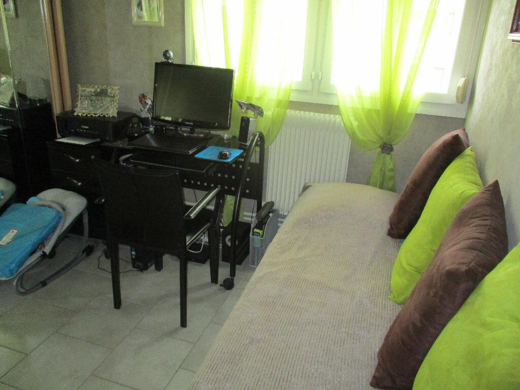 Achat Appartement 4 pièces à Belleville-sur-Meuse - vignette-9