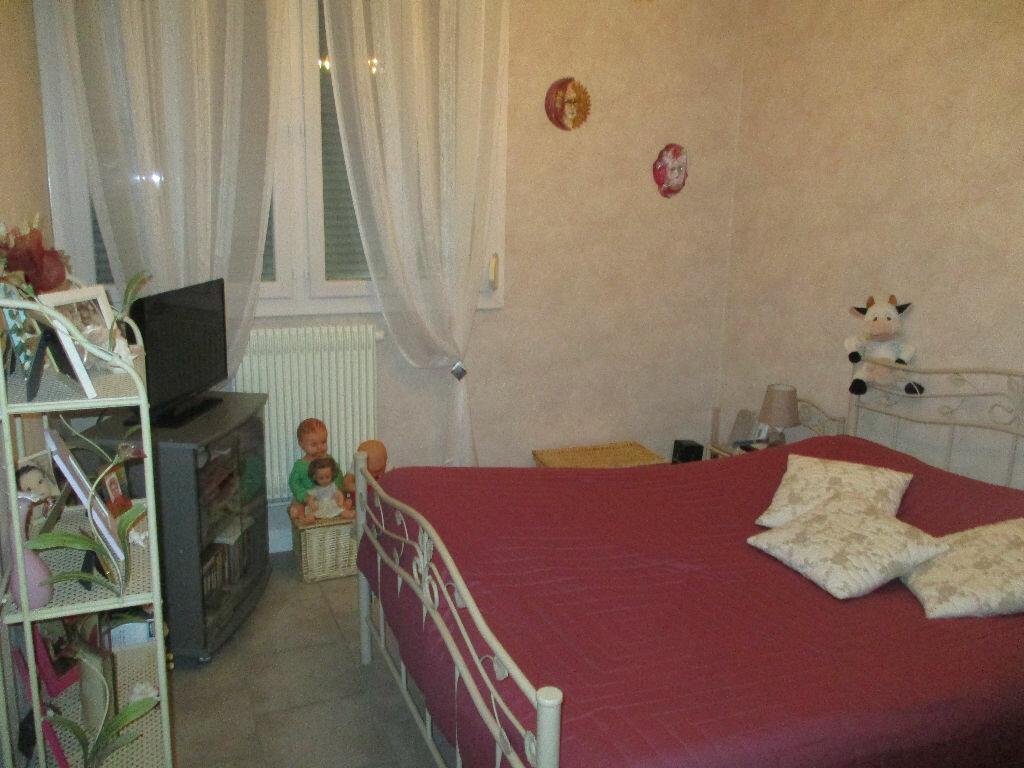 Achat Appartement 4 pièces à Belleville-sur-Meuse - vignette-10