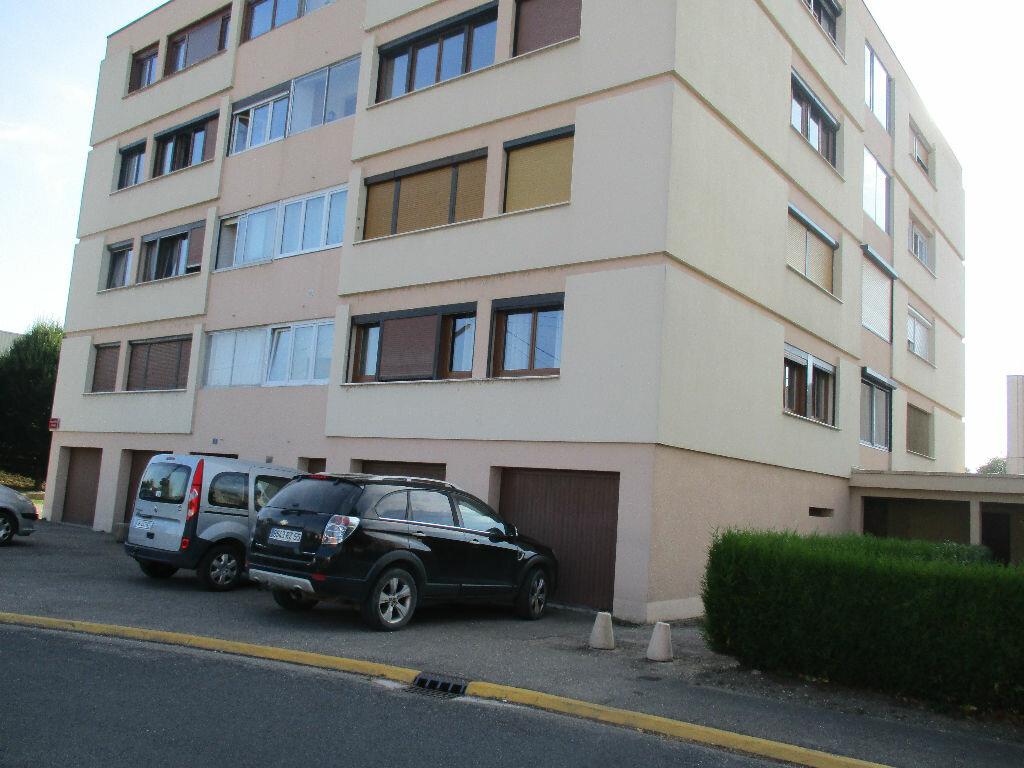 Achat Appartement 4 pièces à Belleville-sur-Meuse - vignette-14