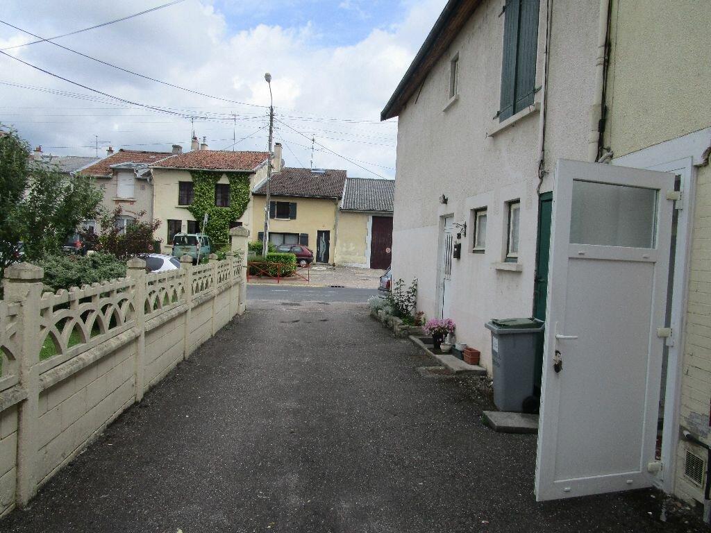 Achat Immeuble  à Thierville-sur-Meuse - vignette-1