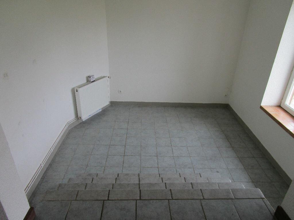 Location Appartement 5 pièces à Châtillon-sous-les-Côtes - vignette-4