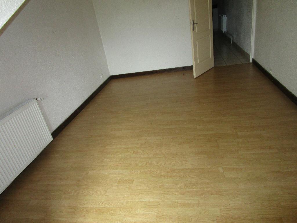 Location Appartement 5 pièces à Châtillon-sous-les-Côtes - vignette-9