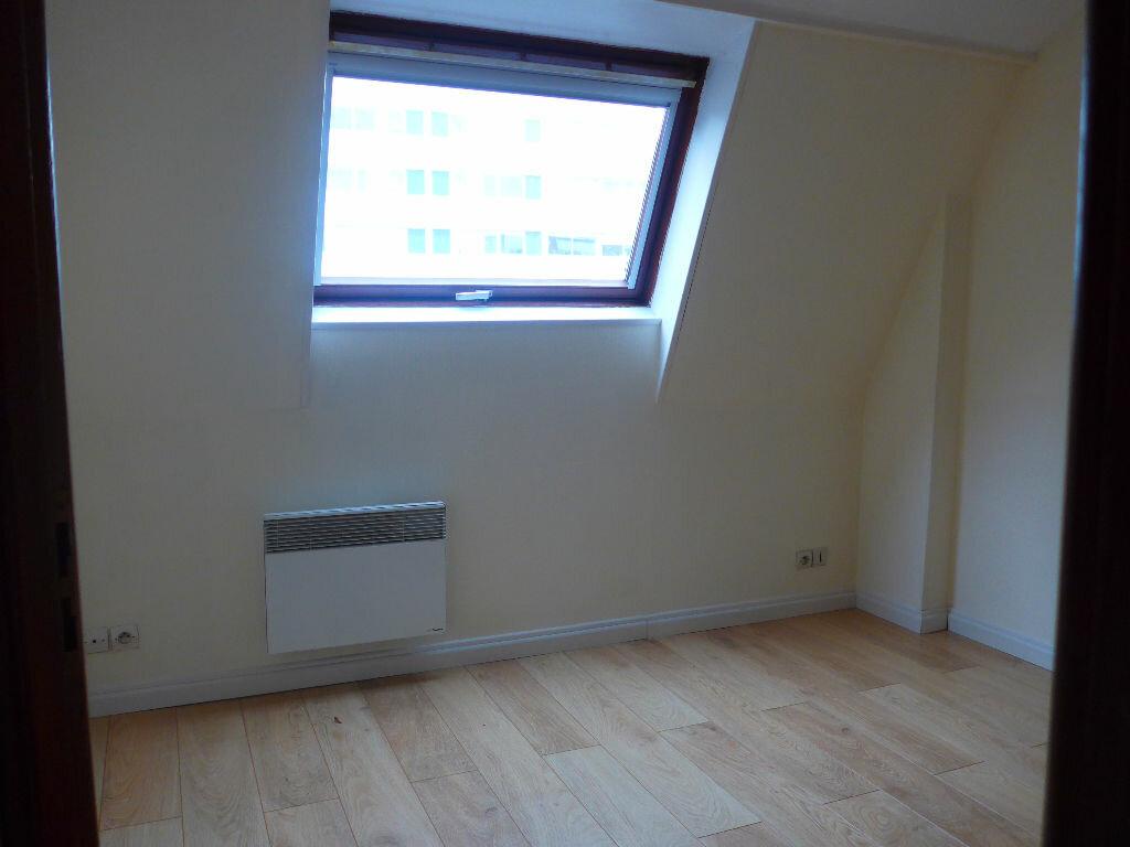 Location Appartement 1 pièce à Lille - vignette-1