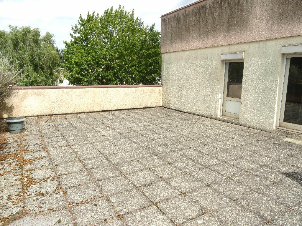 Achat Appartement 4 pièces à Villeneuve-d'Ascq - vignette-1