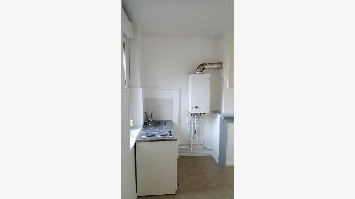 Location Appartement 1 pièce à Lille - vignette-3
