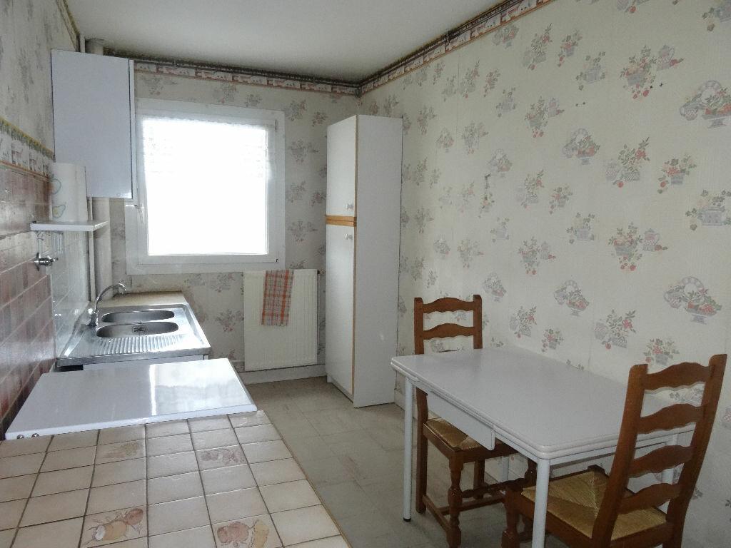 Achat Appartement 2 pièces à Mons-en-Baroeul - vignette-2