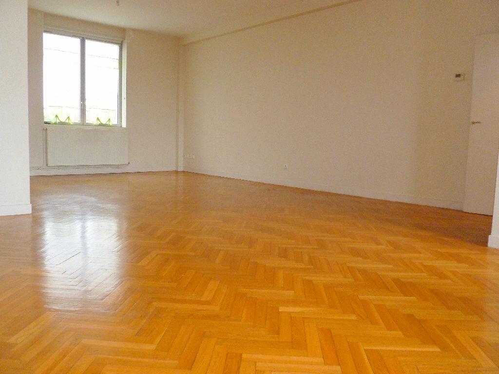 Location Appartement 4 pièces à Tourcoing - vignette-1