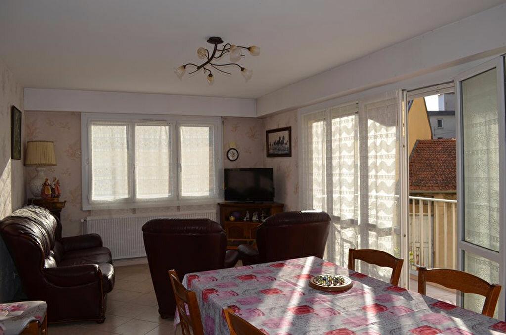 Achat Appartement 3 pièces à Roanne - vignette-1