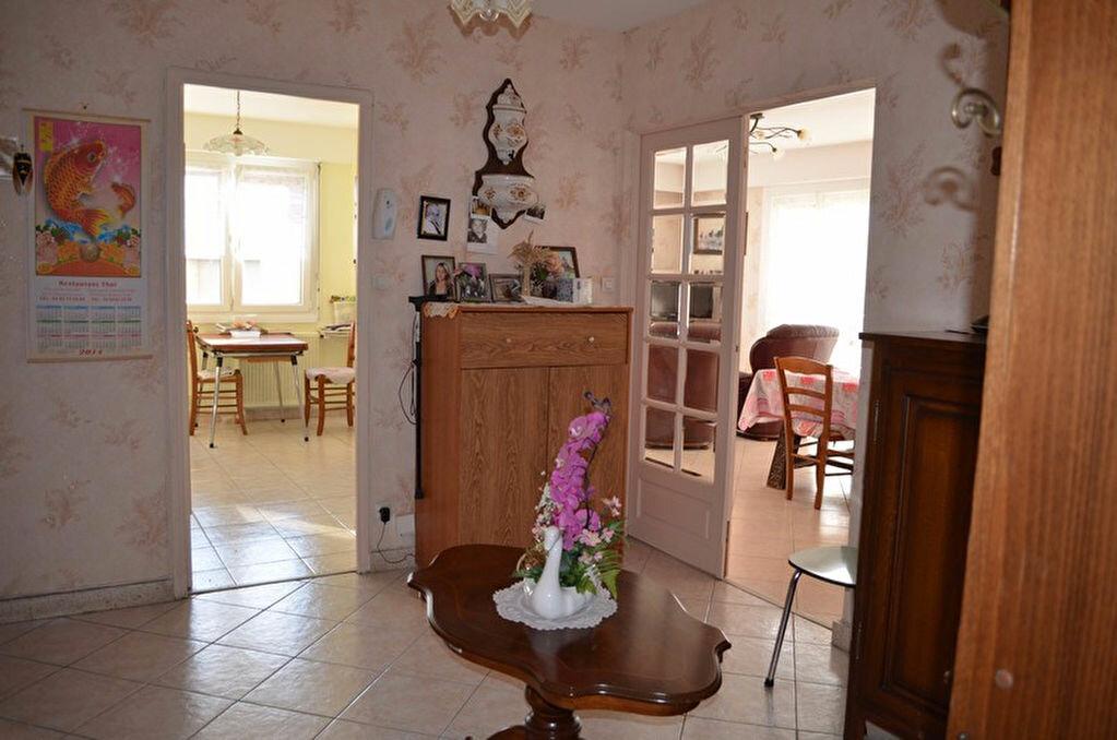 Achat Appartement 3 pièces à Roanne - vignette-2