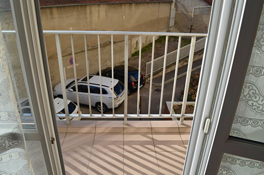 Achat Appartement 3 pièces à Roanne - vignette-5