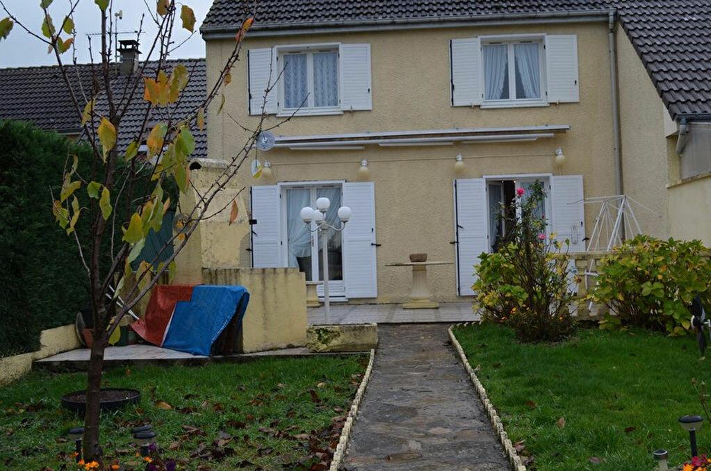 Achat Maison 6 pièces à Commelle-Vernay - vignette-1