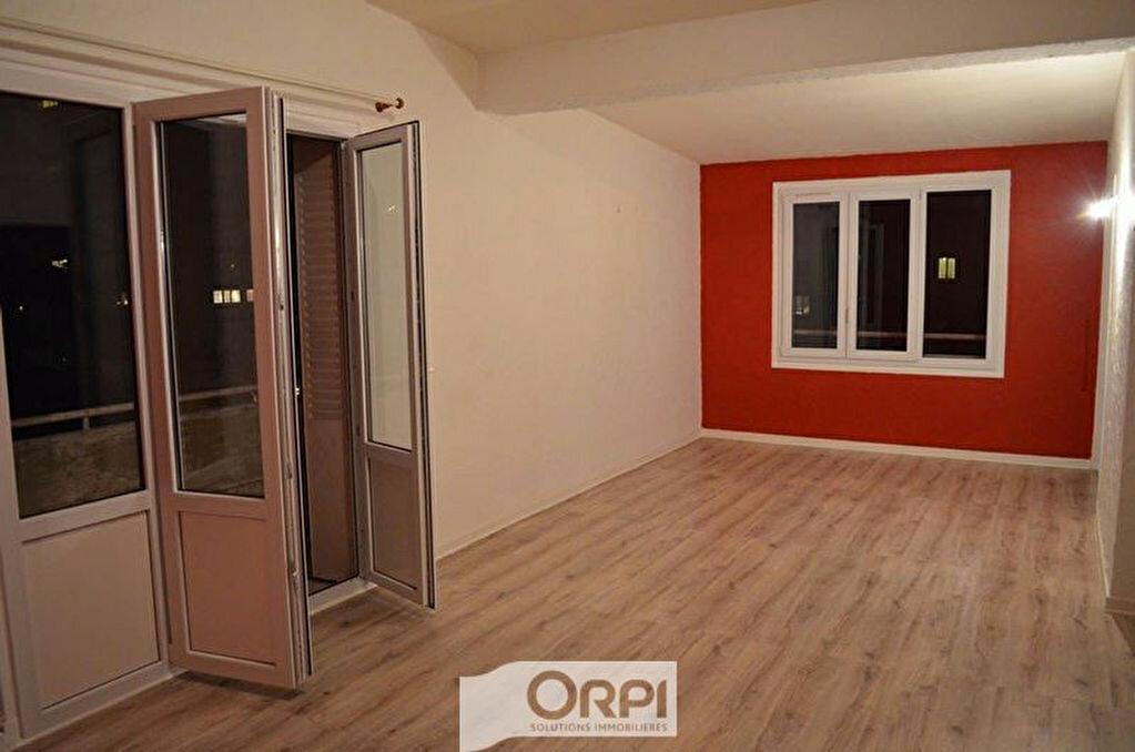 Achat Appartement 4 pièces à Roanne - vignette-3