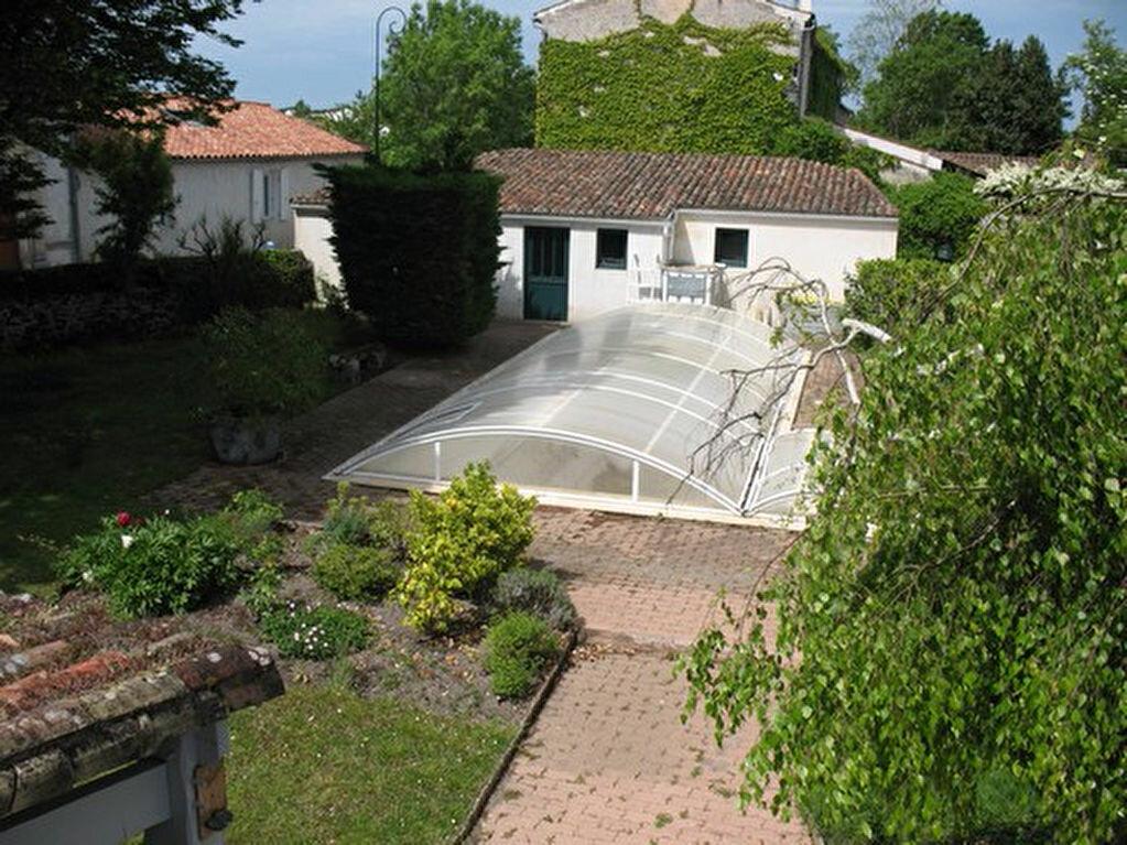 Achat Maison 9 pièces à Mornac-sur-Seudre - vignette-16