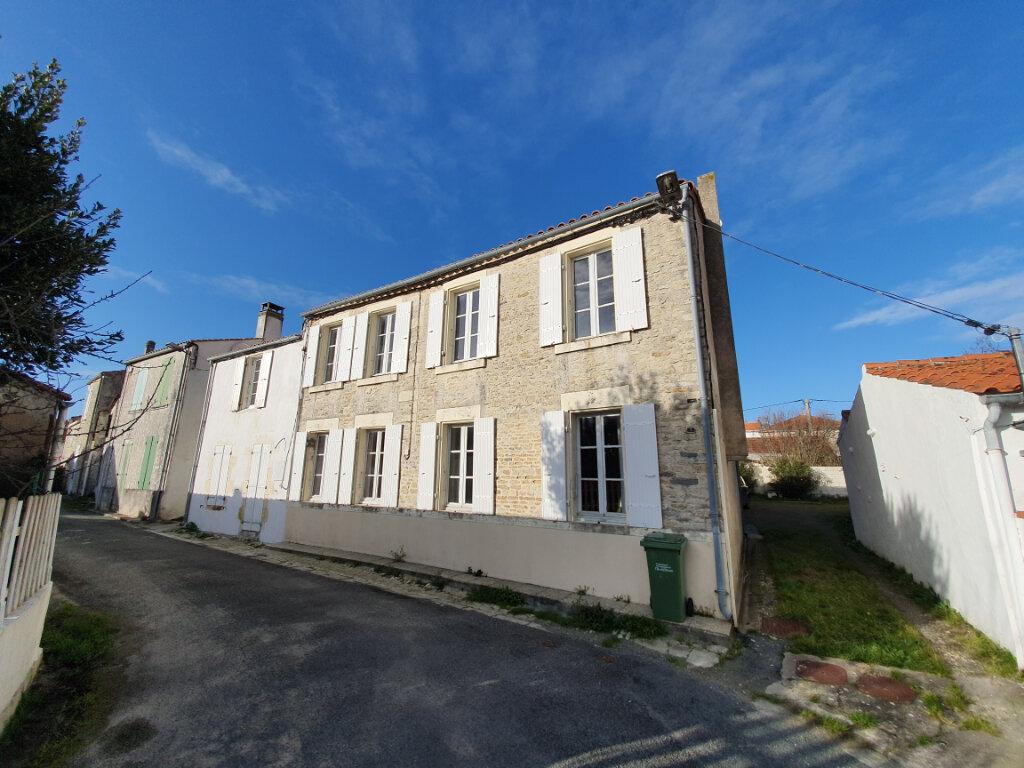 Achat Maison 6 pièces à Le Château-d'Oléron - vignette-1