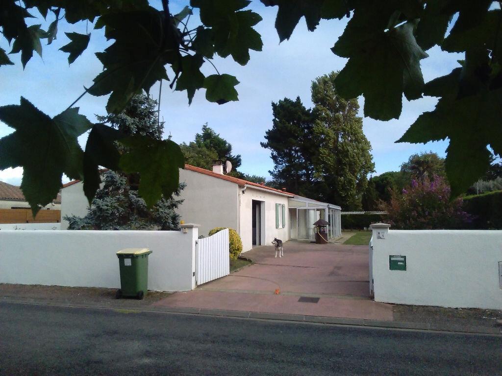 Achat Maison 6 pièces à Saint-Georges-d'Oléron - vignette-1