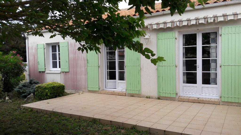 Achat Maison 4 pièces à Saint-Pierre-d'Oléron - vignette-1