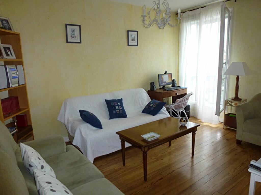 Achat Appartement 4 pièces à Royan - vignette-2