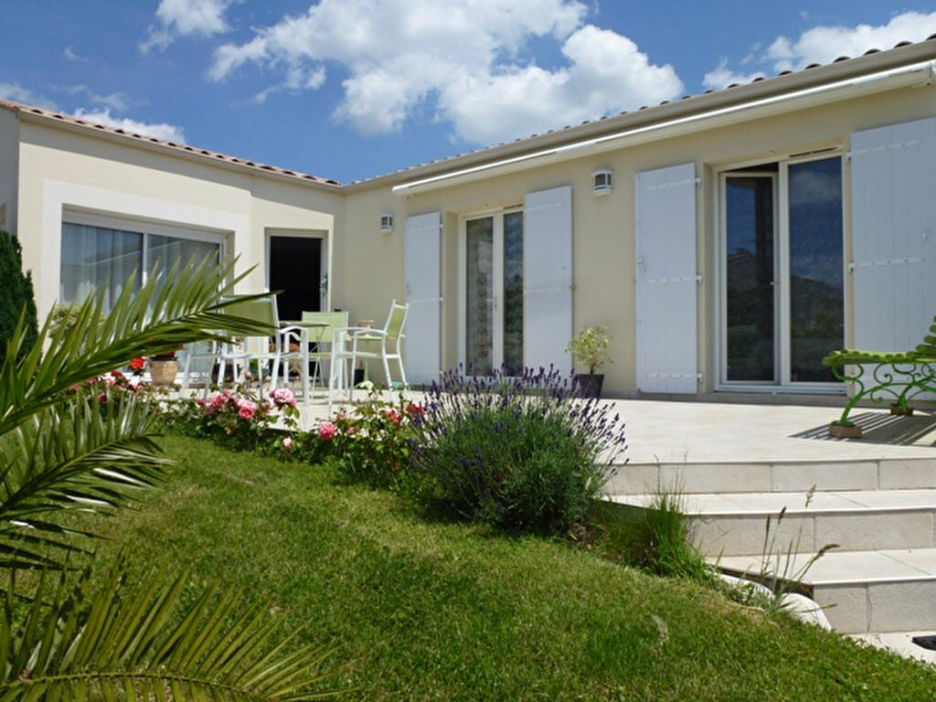Achat Maison 4 pièces à Saint-Georges-de-Didonne - vignette-1