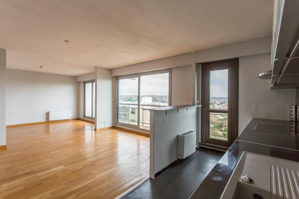 Achat Appartement 5 pièces à Viry-Châtillon - vignette-3