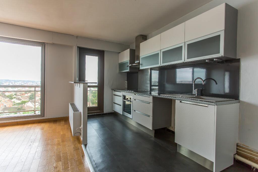 Achat Appartement 5 pièces à Viry-Châtillon - vignette-5