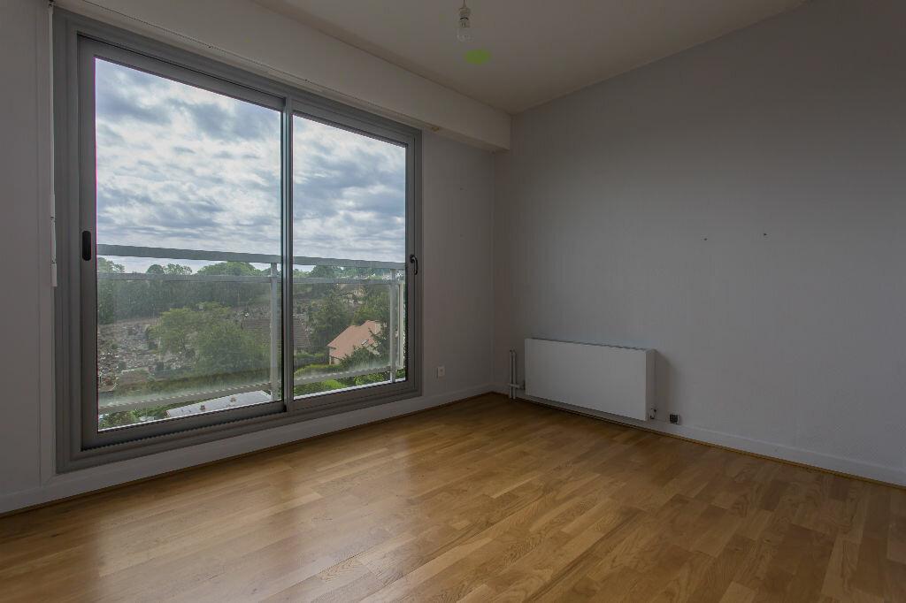 Achat Appartement 5 pièces à Viry-Châtillon - vignette-7