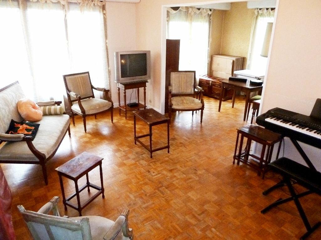 Achat Appartement 3 pièces à Viry-Châtillon - vignette-2