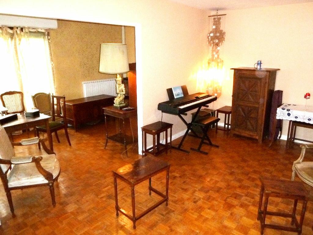 Achat Appartement 3 pièces à Viry-Châtillon - vignette-3