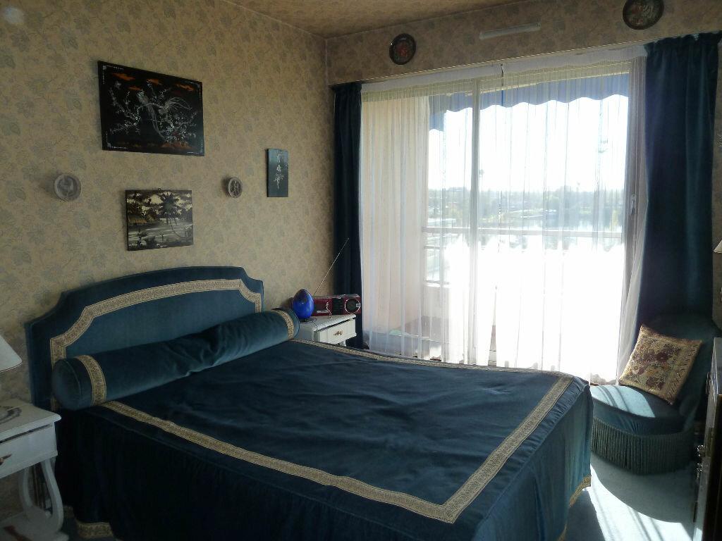 Achat Appartement 5 pièces à Viry-Châtillon - vignette-6