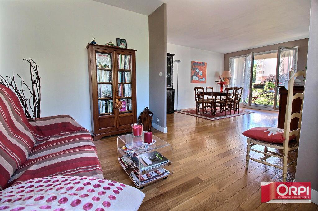 Achat Appartement 5 pièces à Viry-Châtillon - vignette-1